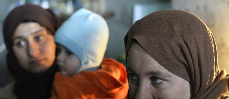 """Kanadyjska fundacja założona przez Steve'a Mamana - przez media nazywanego """"żydowskim Schindlerem"""" - zbiera pieniądze na wykup chrześcijan i jazydów z rąk dżihadystów z Państwa Islamskiego. Od stycznia udało się jej uwolnić prawie 130 kobiet i dzieci wykorzystywanych przez islamistów jako niewolnicy seksualni."""