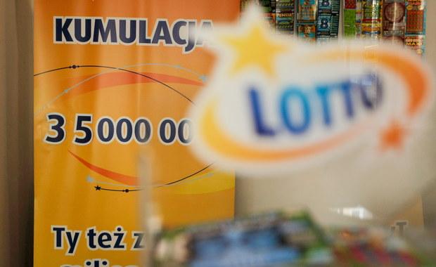 """""""Szóstkę"""" w sobotnim losowaniu Lotto wytypował szczęśliwiec z Ziębic na Dolnym Śląsku. To do niego trafi rekordowa suma - ponad 35 milionów złotych!"""