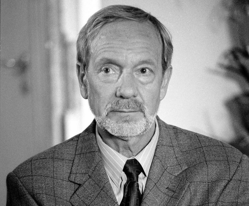 W wieku 77 lat zmarł aktor filmowy i teatralny Jerzy Kamas - poinformowała w niedzielę dyrekcja Teatru Ateneum.