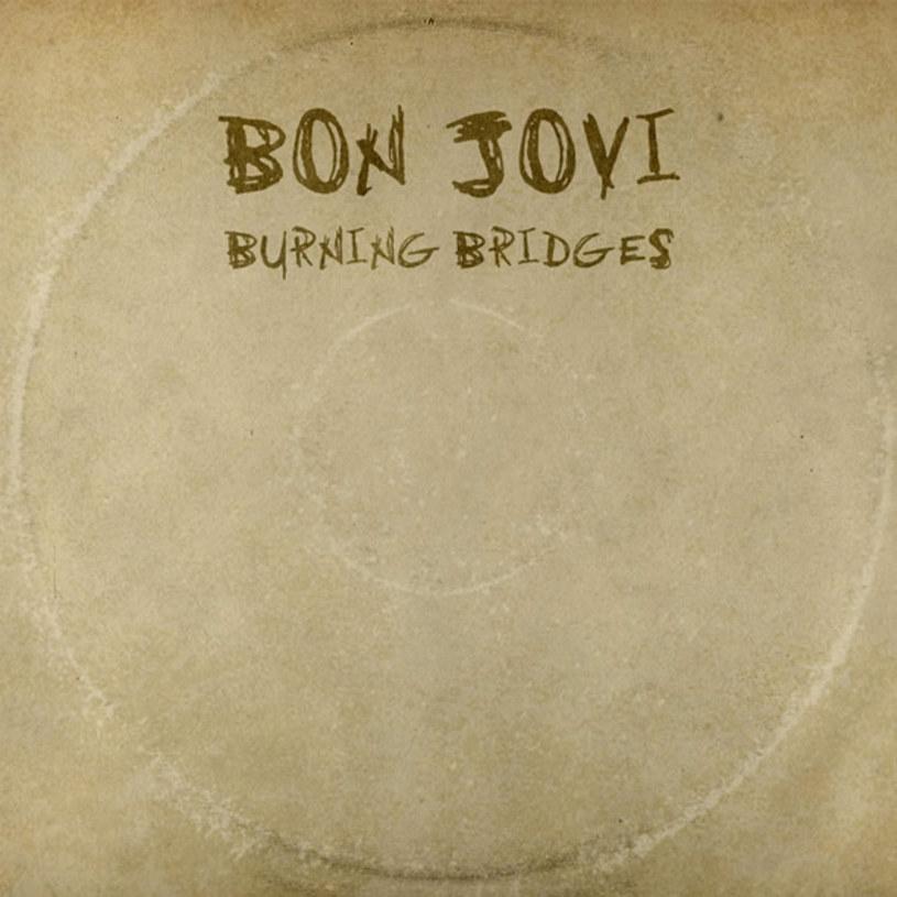Jon Bon Jovi coś zagniewany. Niedawno pożegnał się z kolegą i współkompozytorem, Richiem Samborą, a teraz nie przebierając w ciosach, żegna się z wytwórnią Mercury.