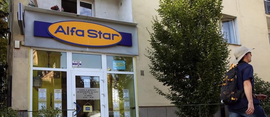 """""""Jesteśmy zawiedzeni i rozgoryczeni"""" - skarżą się klienci upadłego biura podróży Alfa Star, którzy wczoraj wieczorem wylądowali na warszawskim Lotnisku Chopina. Po niespełna dwóch dniach musieli oni przerwać swoje wakacje w Hiszpanii."""