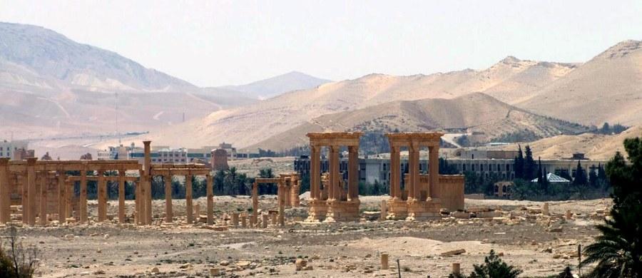 Dżihadyści z Państwa Islamskiego zniszczyli część pochodzącej z czasów rzymskich świątyni Bela. To jeden z najważniejszych obiektów wśród pozostałości starożytnego miasta Palmyra. Informację na ten temat podało Syryjskie Obserwatorium Praw Człowieka.