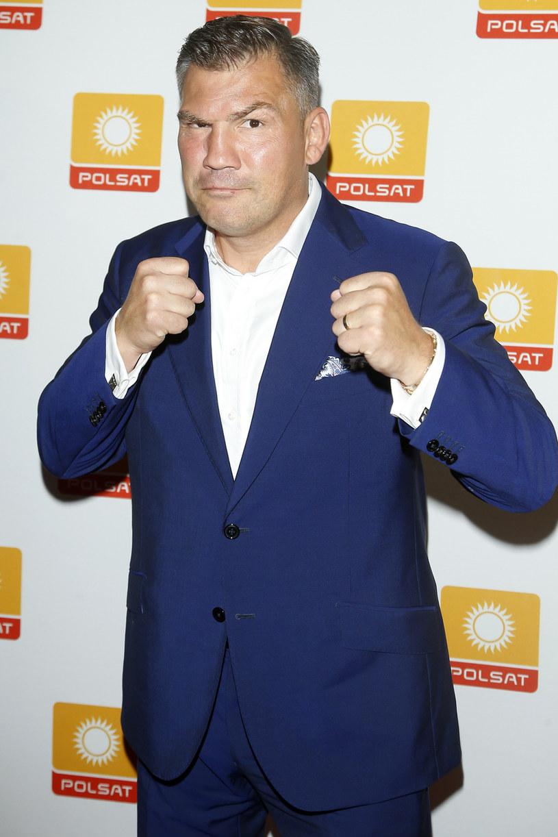 """Przed Dariuszem Michalczewskim kolejne wyzwanie zawodowe. Były mistrz świata w boksie został jurorem w nowym talent show """"SuperDzieciak"""". """"Ten program jest dla mnie jakby uszyty"""" - stwierdza """"Tiger""""."""
