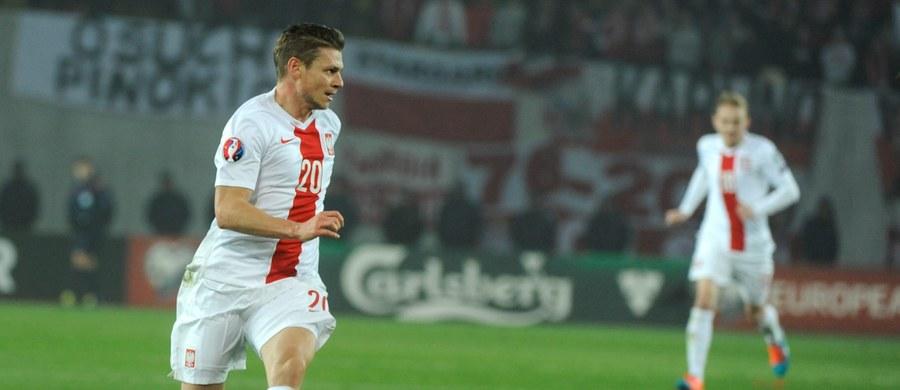Maciej Rybus i Łukasz Piszczek jako pierwsi zjawili się na zgrupowaniu reprezentacji Polski, która przygotowuje się do najbliższych meczów eliminacyjnych piłkarskich mistrzostw Europy 2016. W piątek biało-czerwoni zagrają z Niemcami we Frankfurcie nad Menem, a 3 dni później z Gibraltarem w Warszawie.