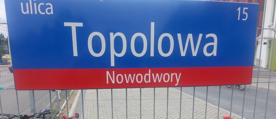Klasy od A do R – czyli aż 18 pierwszych klas w jednej szkole podstawowej. Tak jest w warszawskiej podstawówce przy ulicy Topolowej. To swoisty rekord w stolicy.