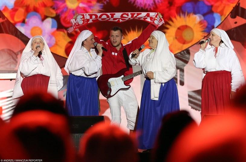 4 września we Frankfurcie nad Menem reprezentacja Polski zmierzy się z Niemcami. Zwycięstwo, a nawet remis przybliży Biało-Czerwonych do upragnionego awansu na Euro 2016. Z tej okazji zapraszamy na przegląd utworów, którymi dopingowano w przeszłości polskich piłkarzy.