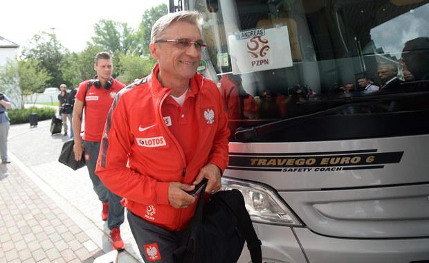 """Radosław Michalski jest przekonany, że polscy piłkarze przystąpią do wieczornego meczu eliminacji mistrzostw Europy z Niemcami """"przygotowani potrójnie"""". Jednocześni uważa, że oczekiwania wobec biało-czerwonych są niezwykle wygórowane."""