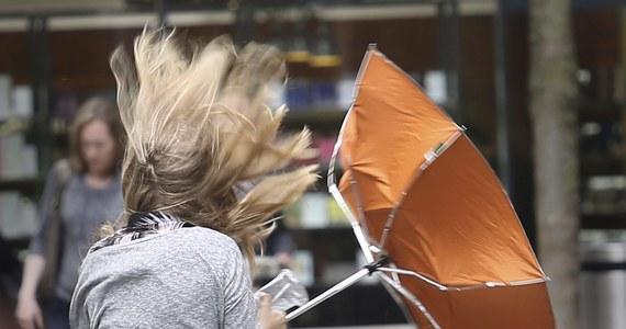 Czeka nas najchłodniejszy weekend od dłuższego czasu. W niedzielę zaledwie 15-17 stopni Celsjusza. W niektórych rejonach kraju przydadzą się parasole.