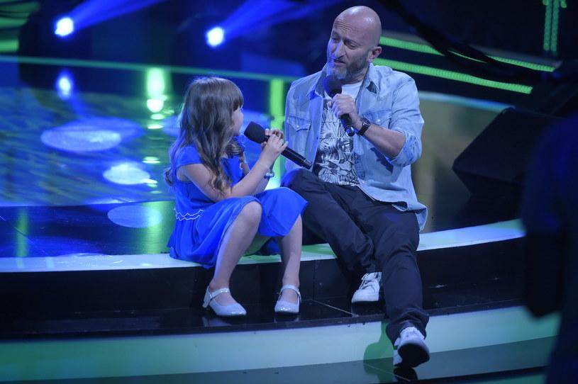 """W niedzielę odbył się pierwszy odcinek programu """"Aplauz, Aplauz"""", w którym najmłodsi występują w duetach ze swoimi rodzicami lub opiekunami. Publiczność była zachwycona duetami Malwiny i Macieja oraz Jacka i Marysi."""
