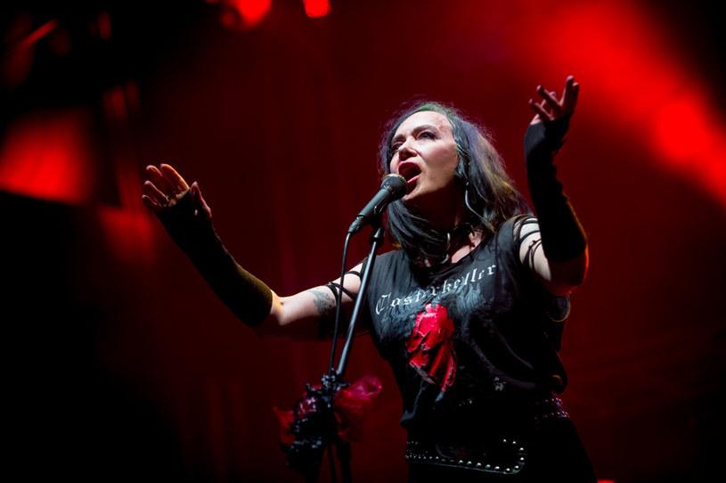 """W sobotę (5 września) grupa Closterkeller zagrała koncert podczas Summer Fall Festival w Płocku w trakcie którego wykonała w całości materiał z wydanej 20 lat temu płyty """"Scarlet"""". Zapis występu, wraz z bonusami i zremasterowaną wersją płyty """"Scarlet"""", ukaże się już jesienią w postaci dwupłytowego boxu zatytułowanego """"reScarlet""""."""