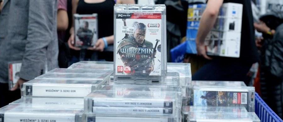 """Twórcy gry """"Wiedźmin 3: Dziki Gon"""", która sprzedała się w już w ponad 6 mln egzemplarzy na całym świecie, otrzymali nagrodę Orła Innowacji. Wyróżnienie zostało wręczone firmie w trakcie trwającego od wtorku w Krynicy-Zdroju Forum Ekonomicznego."""