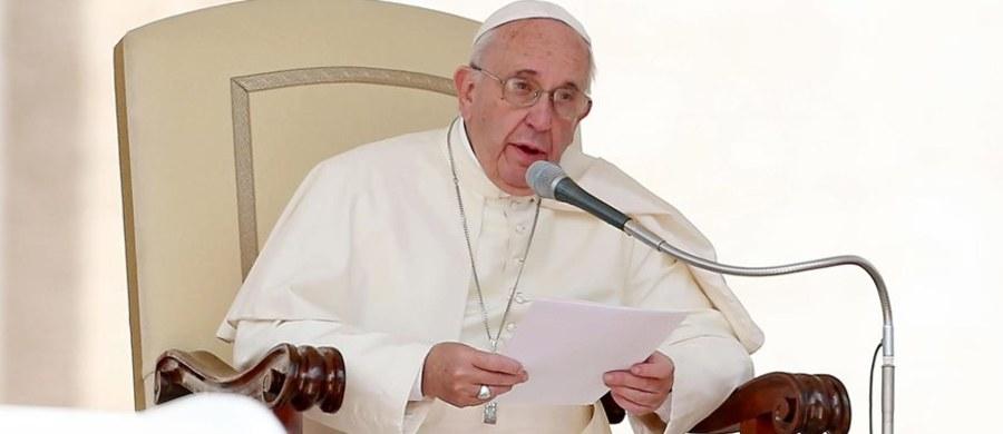 Papież Franciszek podczas wizyty w siedzibie ONZ w Nowym Jorku 25 września będzie rozmawiał z prezydentem Rosji Władimirem Putinem - poinformowała misja Stolicy Apostolskiej przy Narodach Zjednoczonych. Będzie to już trzecie spotkanie Franciszka z rosyjskim przywódcą.