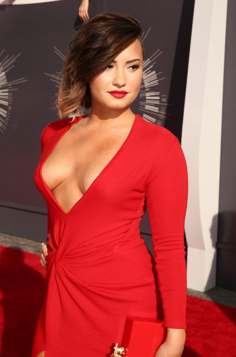 """Amerykańska wokalistka Demi Lovato zaprezentowała własną wersję wielkiego przeboju 2014 roku, czyli utworu """"Take Me To Church"""" Hoziera."""