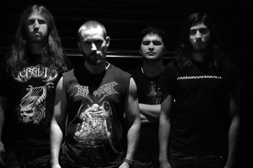 """Deathmetalowi eksperymentatorzy z nowojorskiego Pyrrhon wydadzą w październiku minialbum """"Growth Without End""""."""