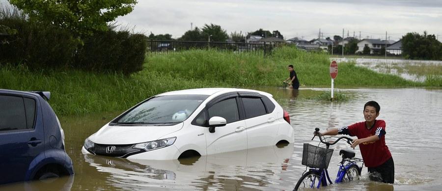 Powódź w mieście Joso we wschodniej Japonii. 25 uznano za zaginione. Woda przerwała wały rzeczne. Trwa akcja ratunkowa - poinformowała minister stanu ds. zarządzania w czasie klęsk żywiołowych - Eriko Yamatani.