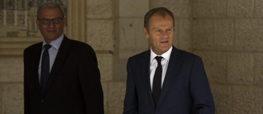 Przewodniczący Rady Europejskiej Donald Tusk zapowiedział, że jeśli ministrowie spraw wewnętrznych państw UE nie uzgodnią w poniedziałek działań w sprawie kryzysu migracyjnego, to zwoła pilny szczyt przywódców unijnych. Według Tuska, mógłby się on odbyć jeszcze we wrześniu.