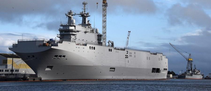 """Francja ma zwrócić Rosji 950 mln euro w związku z unieważnieniem kontraktu na dwa okręty typu Mistral - wynika z projektu, który ma trafić w przyszłym tygodniu do niższej izby francuskiego parlamentu. Paryż nie zapłaci kar umownych, a jedynym warunkiem, jaki Rosja postawiła, było to, by pieniądze """"otrzymała najszybciej, jak to możliwe""""."""