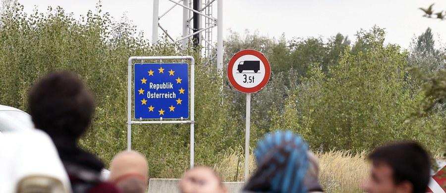 """""""Polska jest i będzie dla większości uchodźców krajem tranzytowym"""" - mówi RMF FM Karolina Majdzińska ze Szkoły Głównej Handlowej. """"Decyduje o tym głównie ekonomia, uchodźcy się są w stanie znaleźć u nas pracy"""" - podkreśla ekspert. Według propozycji Komisji Europejskiej, do naszego kraju miałoby przyjechać co najmniej niemal 12 tysięcy uchodźców."""