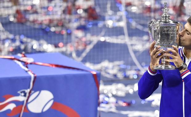 """""""Musiałem wspiąć się na wyżyny umiejętności, by wywalczyć to trofeum. Dołączam do grona osób, które zachwycają się grą Rogera"""" - mówił Novak Djoković po zwycięstwie nad Szwajcarem Rogerem Federerem 6:4, 5:7, 6:4, 6:4 w finale wielkoszlemowego US Open. Serb wywalczył swój 10. tytuł wielkoszlemowy, a w nowojorskiej imprezie triumfował po raz drugi w karierze."""