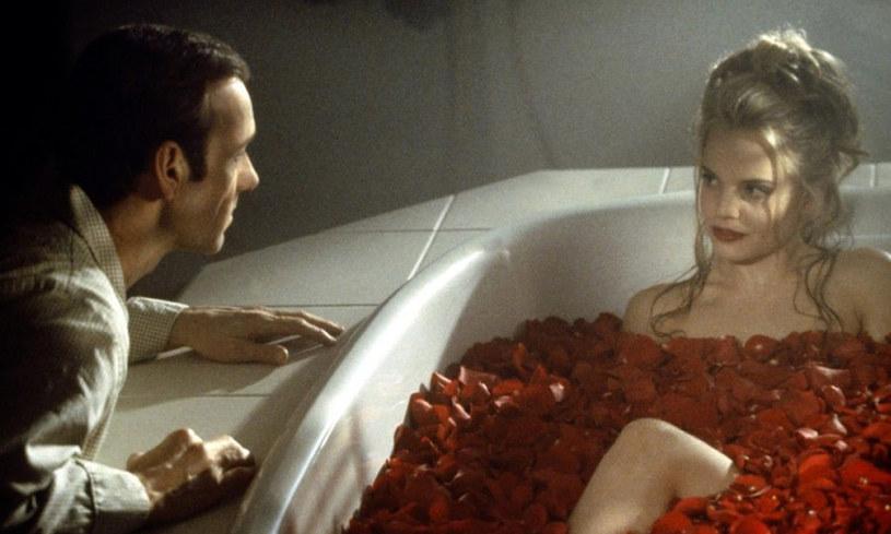 """W ofercie telewizyjnego kanału Paramount Channel nie brakuje kinowych przebojów. Hitem nadchodzącego tygodnia jest nagrodzony aż 5 Oscarami, film Sama Mendesa z 1999 roku, """"American Beauty"""". Jaki inne produkcje znajdziemy w najbliższej ramówce stacji?"""