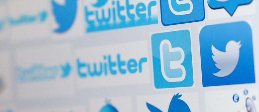 """Poznać liberała i konserwatystę po języku, którego używa we wpisach na Twitterze. Nie tylko po tym co pisze, ale po tym jak... Badacze z Queen Mary University of London twierdzą, że to możliwe. I na łamach czasopisma """"PLOS ONE"""" przedstawiają dowody. Wyniki przeprowadzonych przez nich badań wskazują, że ogólnie """"twitterowy"""" profil użytkowników jest zbliżony do tego, co o obu grupach głoszą opinie psychologów. To sugeruje, że w przyszłości z pomocą portali społecznościowych będzie można skutecznie prowadzić kolejne badania psychologiczne."""
