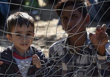 Ekspert: Dzieci uchodźców przechodzą piekło