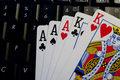 Grasz w pokera online? Ktoś może podglądać twoje karty!