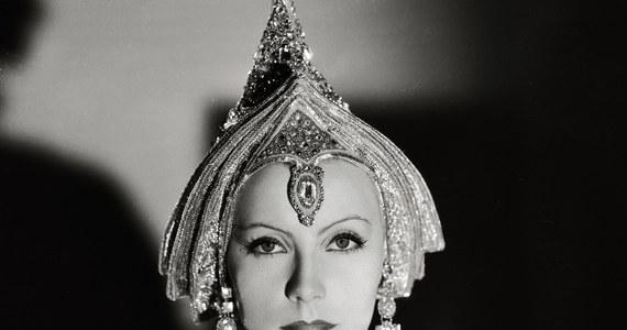 18 września 1905 roku przyszła na świat Greta Garbo - wielka gwiazda filmowa, czterokrotnie nominowana do Oscara. W 1999 roku trafiła na 5. miejsce listy najlepszych aktorek wszech czasów, skompilowanej przez Amerykański Instytut Filmowy.