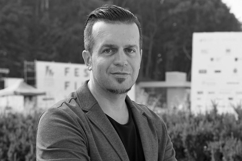 """Nie żyje Marcin Wrona, reżyser filmowy, telewizyjny i teatralny. Ciało 42-latka zostało znalezione w pokoju hotelowym w Gdyni. Jego najnowszy film - """"Demon"""" - startuje w Konkursie Głównym kończącego się dziś 40. Festiwalu Filmowego."""