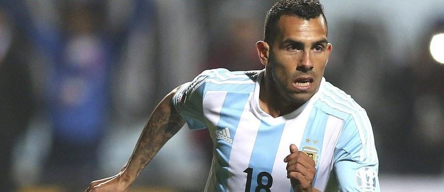 Pamiętacie koszmarny faul Axela Witsela na Marcinie Wasilewskim z 2009 roku? Podobnie brutalnego zagrania dopuścił się teraz gwiazdor reprezentacji Argentyny, były zawodnik Juventusu i Manchesteru City Carlos Tevez. W meczu ligi argentyńskiej złamał nogę Ezequielowi Hamowi.