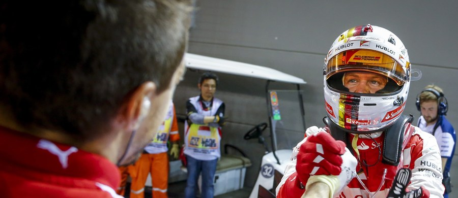 Niemiec Sebastian Vettel (Ferrari) wygrał wyścig o Grand Prix Singapuru, 13. z 19 eliminacji mistrzostw świata Formuly 1. Na podium stanęli też Australijczyk Daniel Ricciardo i Fin Kimi Raikkonen. Rywalizacji nie ukończył lider cyklu Brytyjczyk Lewis Hamilton.