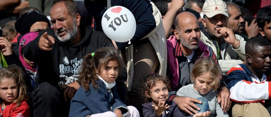 Czy Polska, która jest przeciwna obowiązkowym kwotom podziału uchodźców między państwa UE mogłaby, jeżeli - takie rozwiązanie zostanie przyjęte - zaskarżyć tę decyzję? Teoretycznie obecny lub kolejny rząd może wnieść sprawę do sądu UE. Rozmówcy naszej korespondentki są jednak zgodni co do tego, że zostałoby to odebrane jako pójście na wojnę nie tylko z Brukselą, ale z większością krajów Unii. Odbiłoby się też na wielu interesach Polski. Tak więc jest to prawdziwa ostateczność.