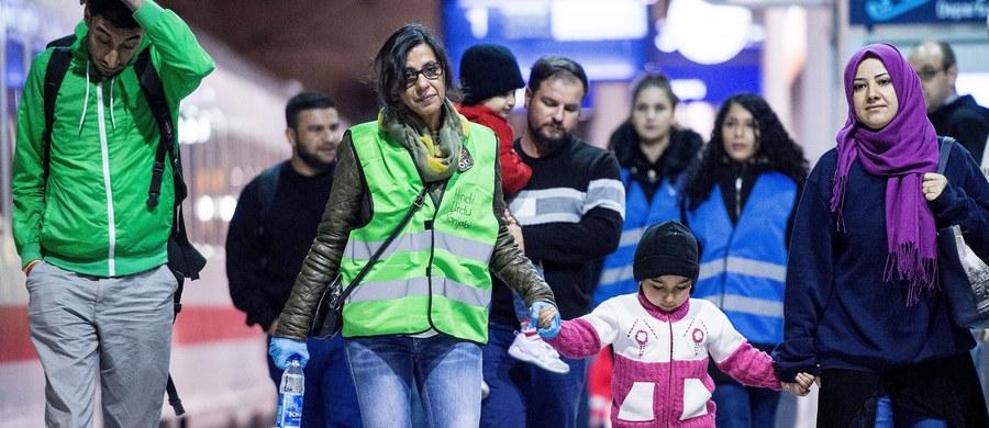 Polska miałaby przyjąć uchodźców dobrowolnie. Ich proponowana obecnie całościowa liczba jest trochę mniejsza od tej, którą pierwotnie przedstawiła Komisja Europejska (9287 uchodźców z Grecji, Włoch i Węgier). Według wstępnych wyliczeń może to być mniej o 150 do 700 osób.