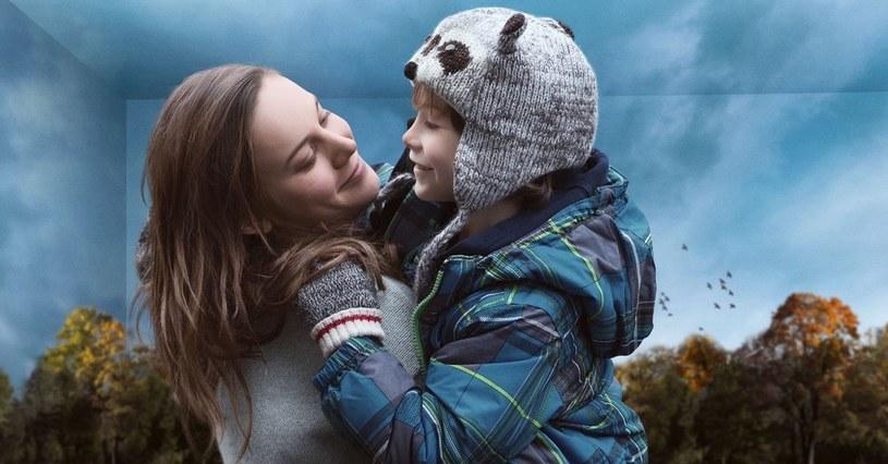 """""""Pokój"""" - adaptacja bestsellera Emmy Donoghue w reżyserii Lenny'ego Abrahamsona - o kobiecie uwięzionej w piwnicy z synem, wygrał Międzynarodowy Festiwal Filmowy w Toronto. Impreza uważana jest za nieoficjalny początek wyścigu oscarowego."""