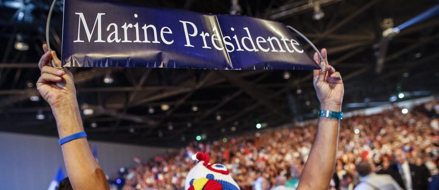 Szefowa francuskiego skrajnie prawicowego ugrupowania Front Narodowy (FN) Marine Le Pen stanie 20 października przed sądem w Lyonie za swoje wypowiedzi z 2010 roku. Porównała wtedy modlitwy muzułmanów we Francji do nazistowskiej okupacji.
