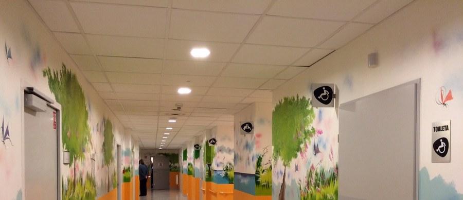 Zamiast dziesięciu- trzydzieści łóżek - w tym osobne skrzydło dla dzieci. Działa od kilku dni, ale oficjalnie otwarty został w środę. Modernizacja Oddziału Ratunkowego w dawnym szpitalu wojewódzkim w Gdańsku, czyli szpitalu im. Mikołaja Kopernika kosztowała 10 milionów złotych.