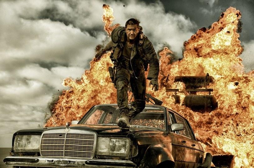 """""""Mad Max: Na drodze gniewu"""" - superprodukcja George'a Millera z Tomem Hardym i Charlize Theron w rolach głównych - debiutuje na płytach Blu-ray 3D, Blu-ray i DVD."""