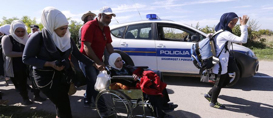 W reakcji na zamknięcie granic Chorwacji dla wszelkich pojazdów z serbską rejestracją władze w Belgradzie porównały działania rządu w Zagrzebiu do postępowania marionetkowego, podległego III Rzeszy państwa chorwackiego z czasów II wojny światowej.