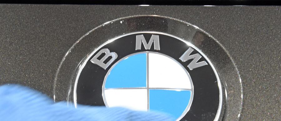 """Niemieckie czasopismo motoryzacyjne """"Auto Bild"""" twierdzi, że nie tylko samochody Volkswagena, ale także jeden z modeli BMW przekracza normy emisji spalin. Producent zaprzecza."""