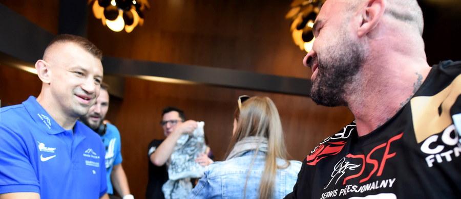 Starcie 38-letniego Tomasza Adamka z 47-letnim Przemysławem Saletą będzie głównym punktem sobotniej gali bokserskiej w łódzkiej Atlas Arenie. Kibice obejrzą też m.in. walkę kobiet: Ewy Piątkowskiej i Ewy Brodnickiej.