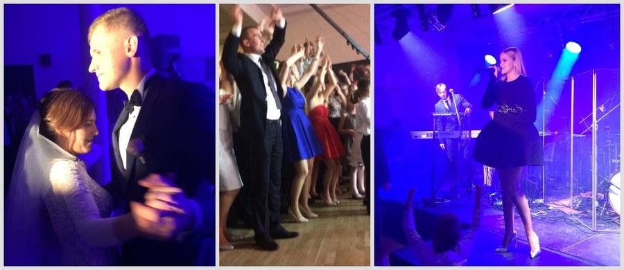 Za nami pierwszy koncert w ramach akcji Przebojowe Wesele w RMF FM. Blue Cafe zagrało dla Agnieszki i Artura z małopolskiego Targowiska.