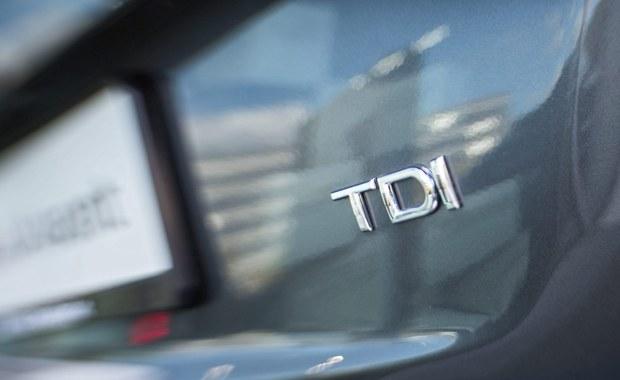 Martin Winterkorn, były już szef Volkswagena, znalazł się na celowniku prokuratury. Śledczy z Brunszwiku sprawdzają, czy fałszowanie danych dotyczących emisji spalin przez silniki diesla w samochodach Volkswagena nie było oszukiwaniem klientów. W poniedziałek okazało się, że afera dotyczy również samochodów Audi.