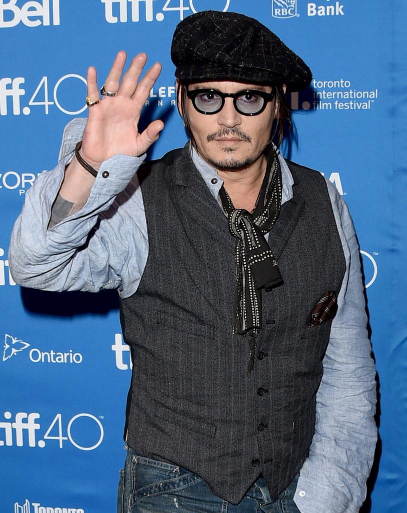 Johnny Depp został zmuszony do ponownego pokochania francuskiej Riwiery! Tak ironicznie nadsekwańskie media komentują fakt, że nikt nie chciał kupić za 23 miliony euro należącej do artysty XIX-wiecznej miejscowości na południu Francji, która została przekształcona w gigantyczną prywatną posiadłość.