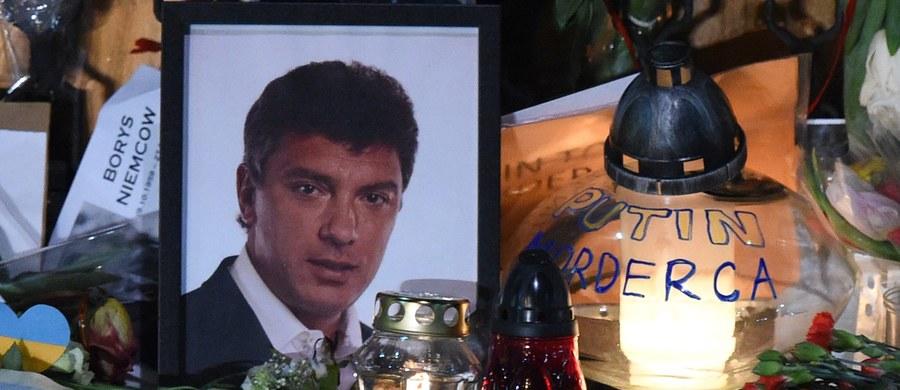 Mer Kijowa Witalij Kliczko zaproponował, by ulica, przy której mieści się siedziba ambasady Rosji w ukraińskiej stolicy nosiła imię Borysa Niemcowa, zamordowanego w lutym rosyjskiego opozycjonisty, który znany był z krytykowania prezydenta Władimira Putina. Obecnie to Prospekt Powitrofłotski.