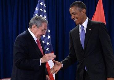 Kolejne spotkanie Obama - Castro. Prezydenci rozmawiali przez pół godziny