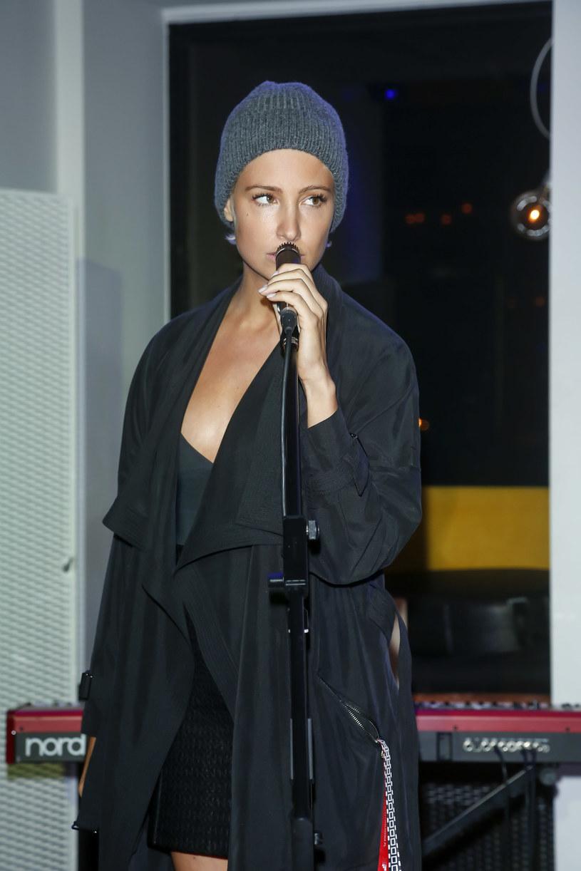 """W programie """"The Voice of Poland"""" pojawi się dawno niewidziana aktorka Laura Samojłowicz, znana z seriali """"M jak miłość"""" i """"Hotel 52""""."""
