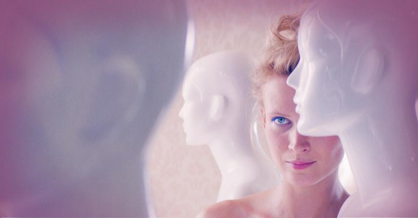 """Rola Agnieszki Żulewskiej w filmie """"Chemia"""" z pewnością zapisze się w pamięci widzów na długo. Aktorka ścięła włosy, schudła, a przede wszystkim tej roli oddała kawałek siebie. Scenariusz filmu napisało życie - """"Chemia"""" opowiada historię Magdaleny Prokopowicz, założycielki Fundacji Rak'n'Roll."""