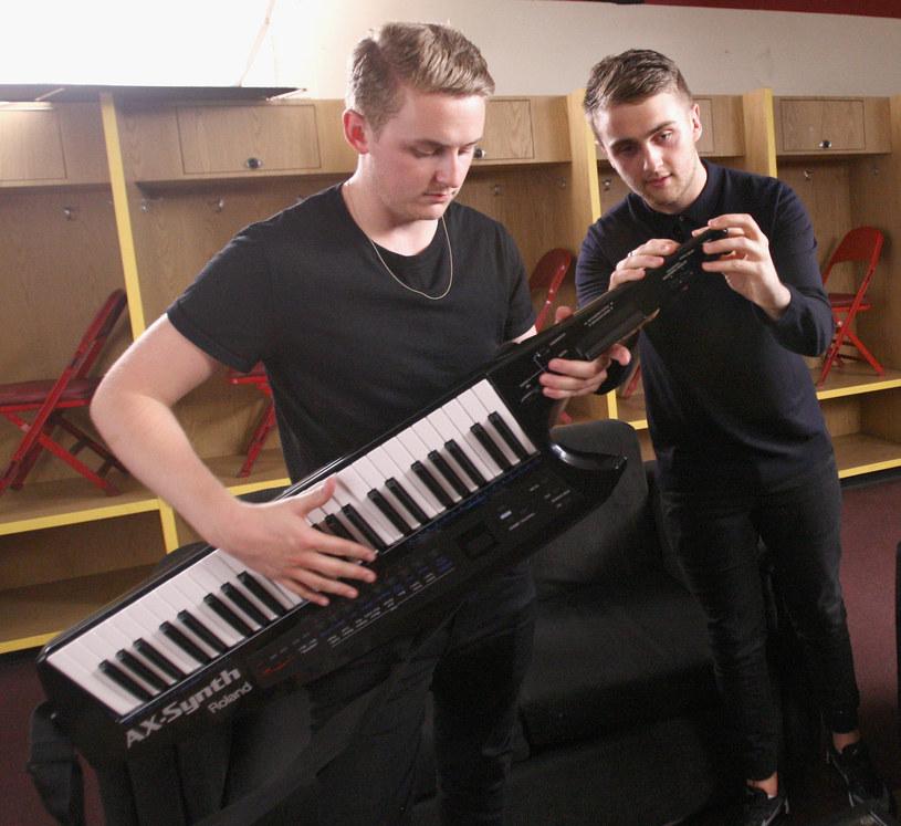 Brytyjski duet miał swój wkład w tworzeniu nowej piosenki do filmu o przygodach Jamesa Bonda.