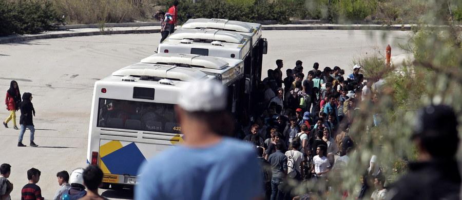 Szef MSW Niemiec Thomas de Maiziere stwierdził w wywiadzie dla ZDF, że poważny jest problem przebywania na terenie Niemiec dużej liczby imigrantów niezarejestrowanych przez władze. Może ich być nawet 290 tys. Polityk skrytykował zachowanie części azylantów.