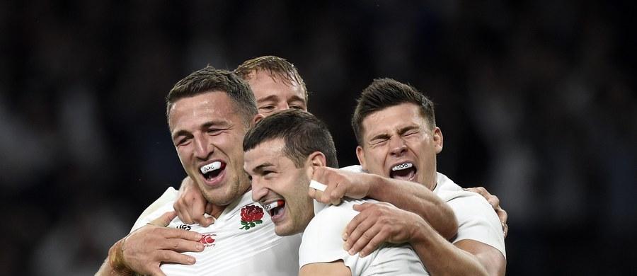 """W sobotę na Pucharze Świata w rugby rozegrany zostanie mecz Anglików z Australijczykami. Dla współgospodarzy turnieju pojedynek w Londynie to mecz o wszystko. Jeśli przegrają mogą stracić szanse na grę w ćwierćfinale. Niepewna swego losu jest ciągle Walia. """"Dla kibiców to świetna sytuacja. Emocje będą trwały do ostatniego meczu fazy grupowej"""" - mówi były rugbysta Mariusz Liedel."""